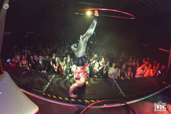 Swing hulahoop show