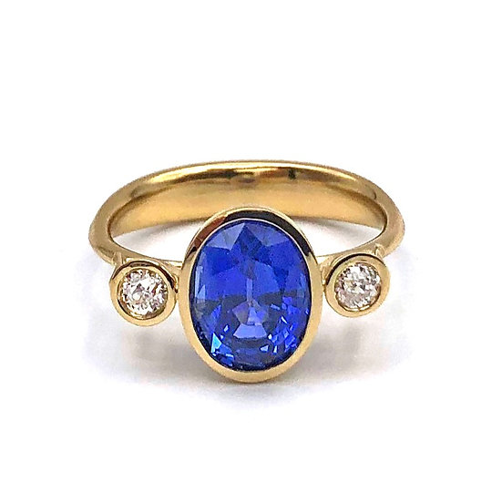 Oval Ceylon Sapphire and Old European Cut Diamond Ring in 18k Yellow Gold