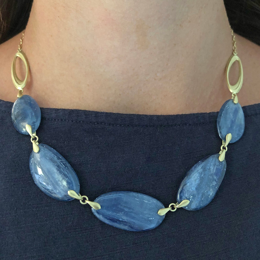 Kyanite Ovals Necklace | 18k Yellow Gold | 16 in