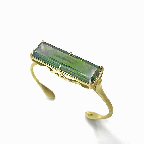 2020 Jewelers of America CASE Awards Winning Green Tourmaline Jungle Bracelet in 18k Recycled Yellow Gold