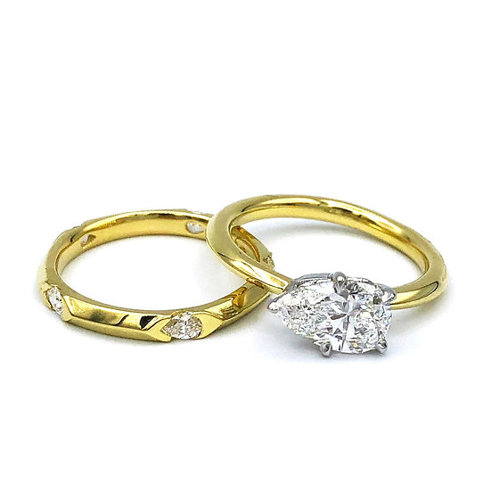 Bespoke Pear-Shaped Diamond Bridal Ring Set in 18k Yellow Gold; Pear-Shaped Diamond Station Ring; Wedding Set