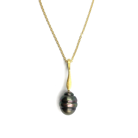 Modern Circled Tahitian Pearl Pendant in 18k Recycled Yellow Gold