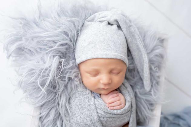 newborn-photograph-oshawa (2).jpg