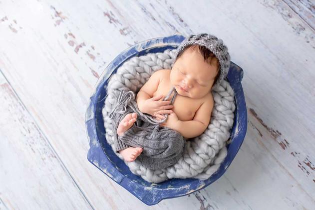 newborn-photgraph-whitby (4).jpg