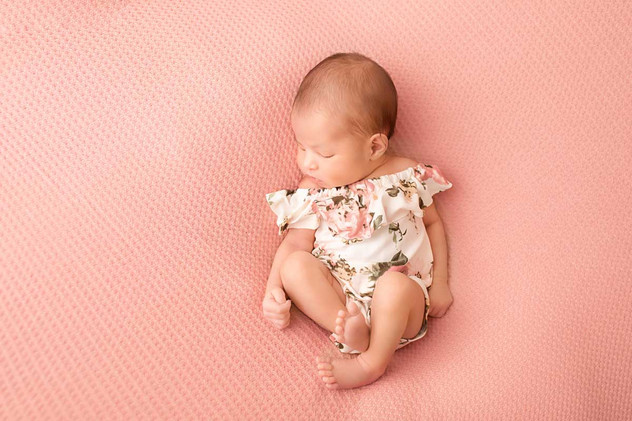 newborn-photgraph-bowmanville (2).jpg