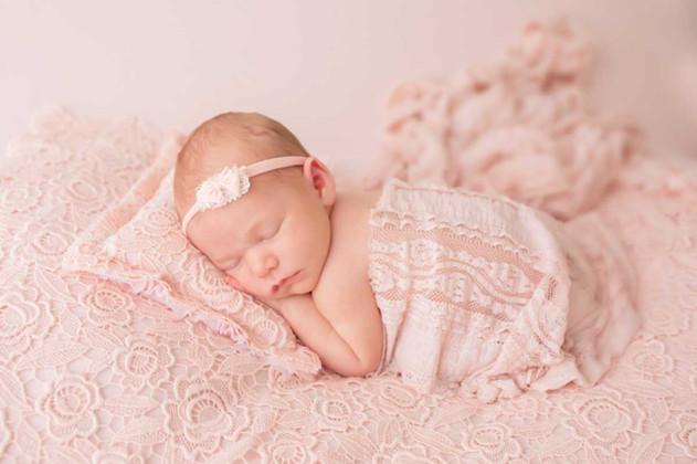 newborn-photograph-durham-region.jpg