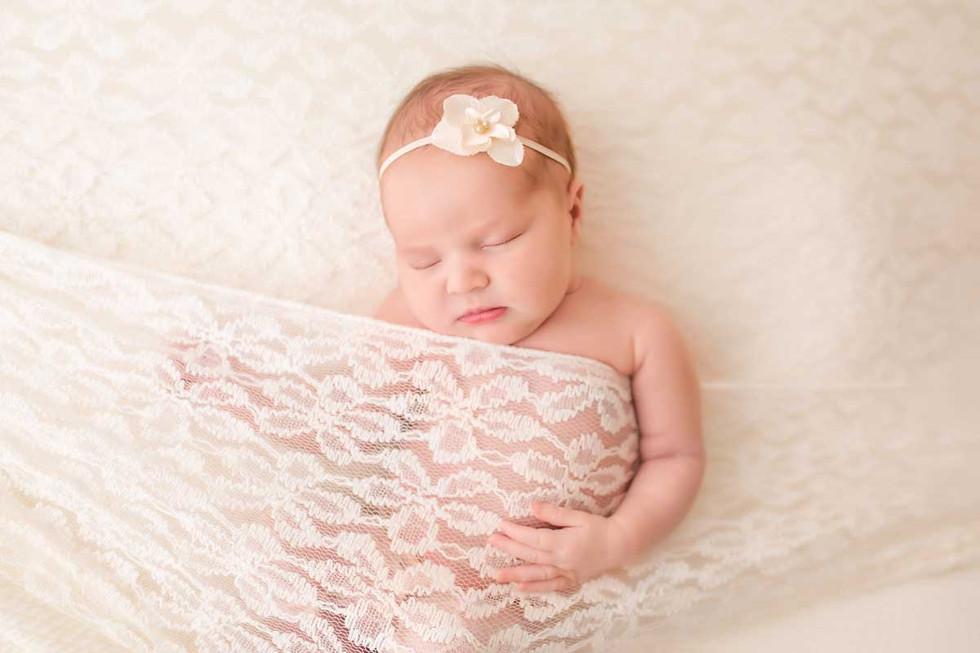 newborn-photgraph-ajax (5).jpg