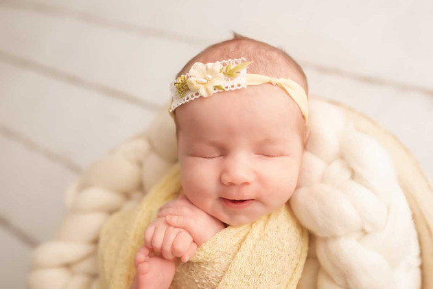 newborn-photgraph-bowmanville (3).jpg