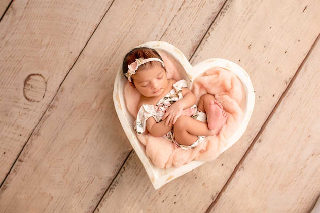 newborn-photgraph-bowmanville (7).jpg