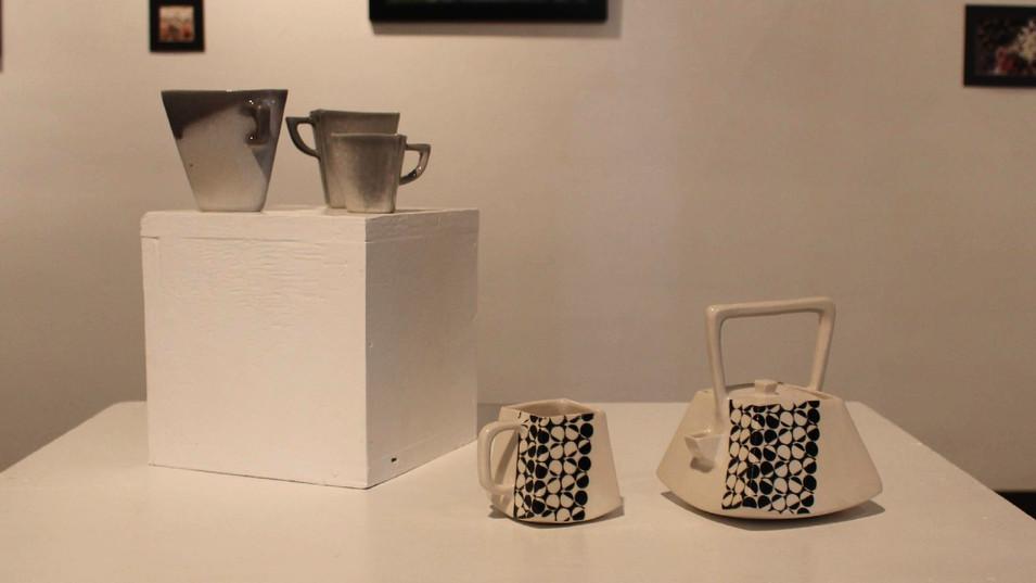 Triangle Coffee Set & Square Teapot and Mug