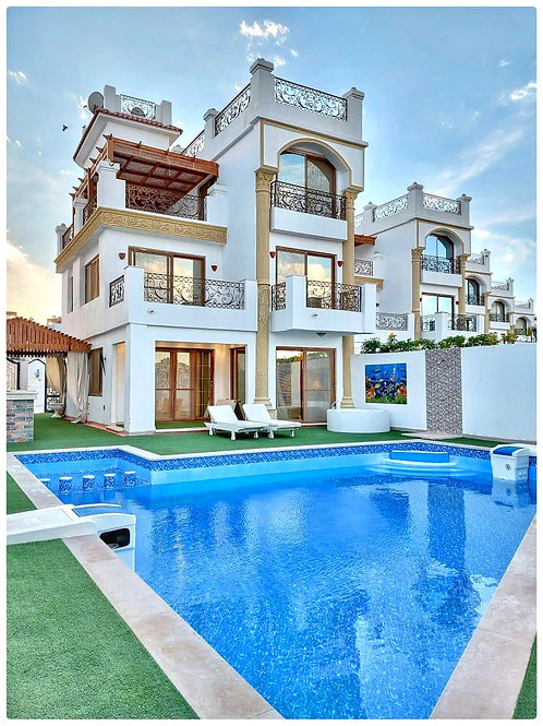 Luxury 5 Bedroom Villa Montazah