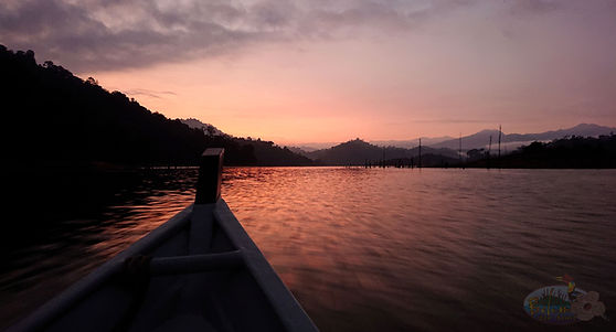 Sunset lake view in Temenggor lake