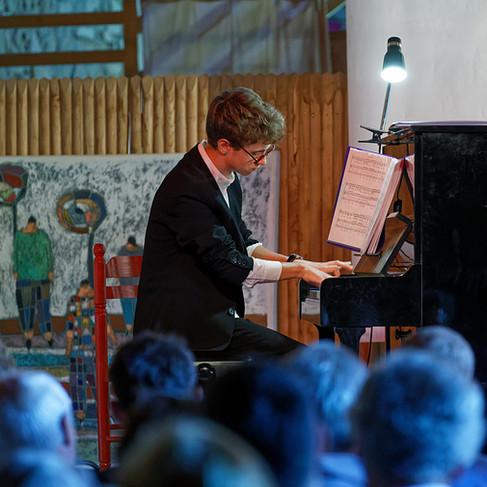Le pianiste Martin Jaspard à Ploemel