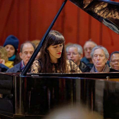 La pianiste Louise Akili à Saint-Merry