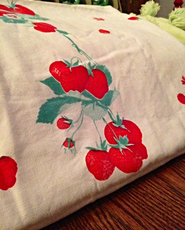 Vintage_Berry_Tablecloth_edited.jpg