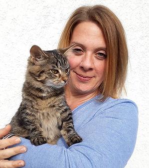Daniela Eglseder mit Katze Matilda