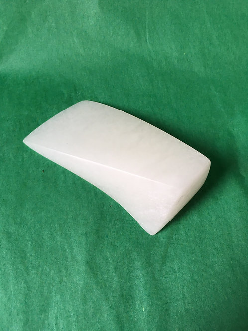 0026 - Single form in alabaster