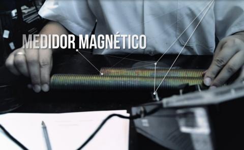 Medido de camada Magnético