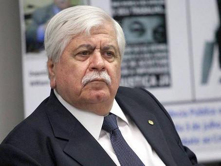 Governo vê 'óbice jurídico' e adia troca de presidente da Anvisa