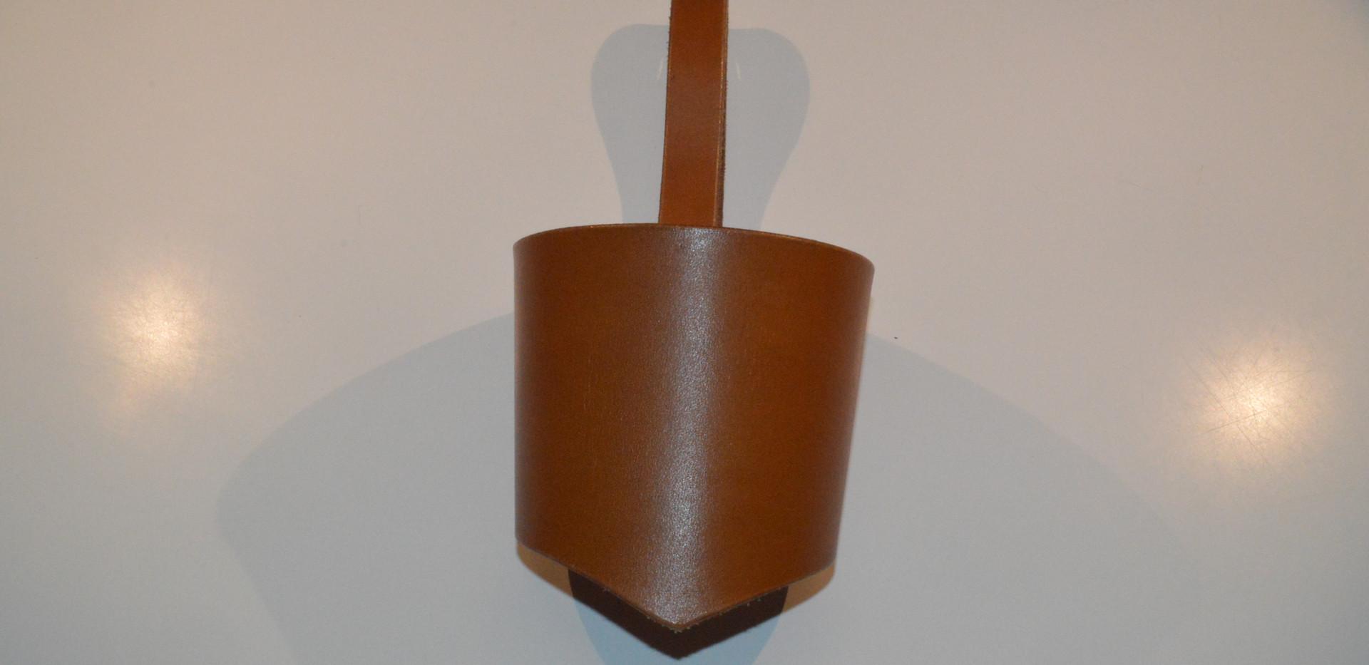 Porte-gobelet en cuir