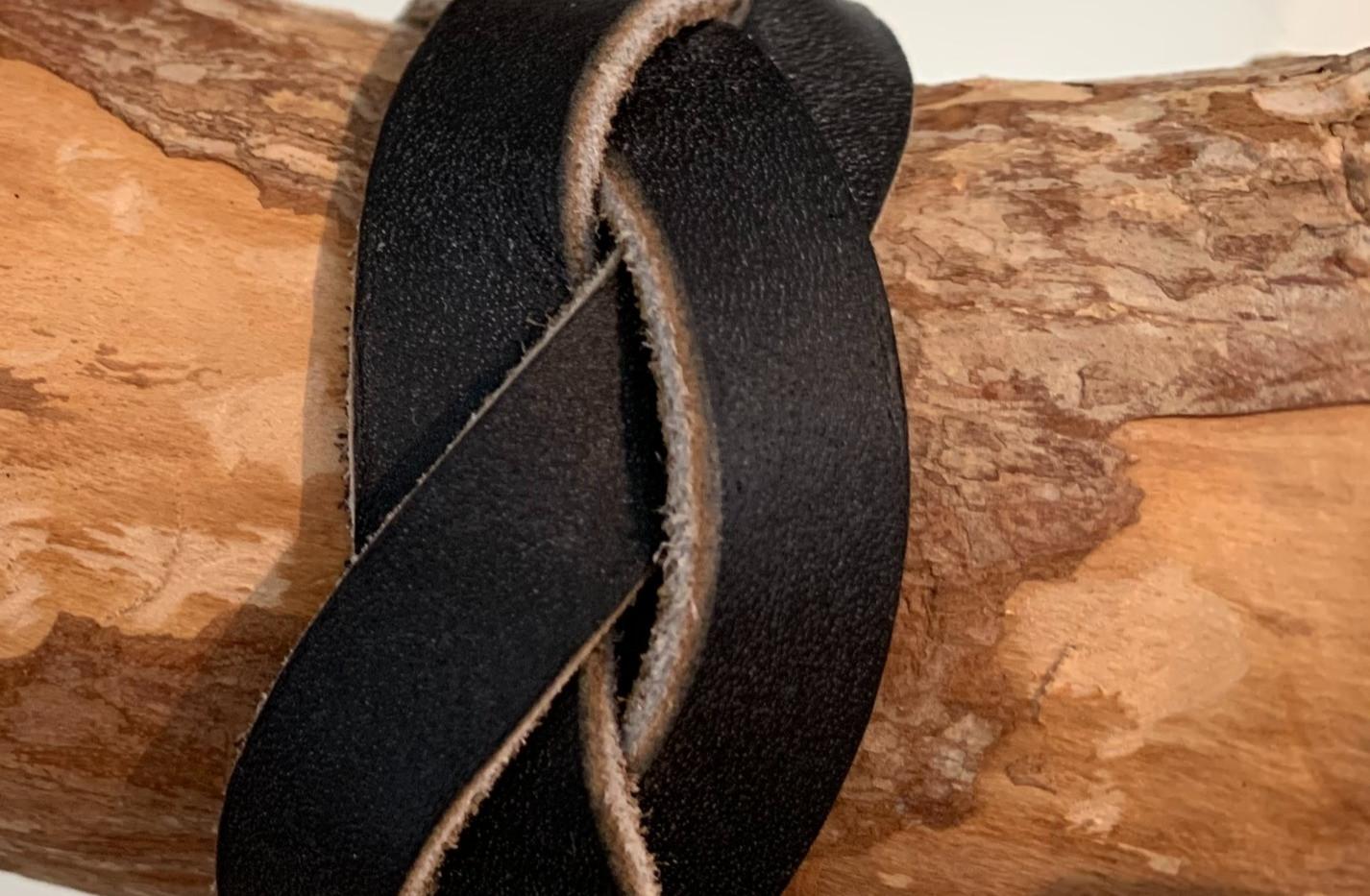 Bracelet tressé couleur noire