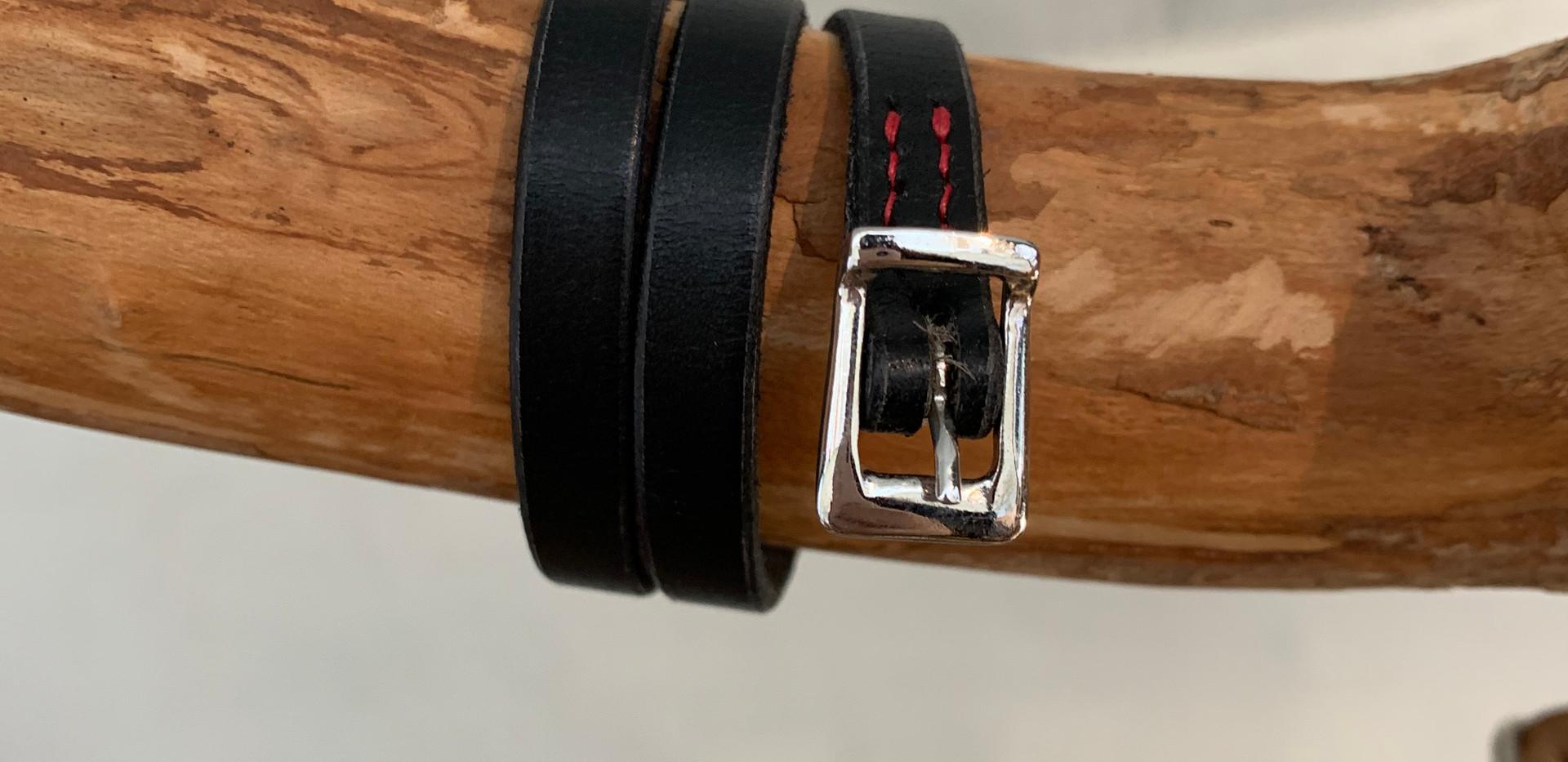 Bracelet couleur noire