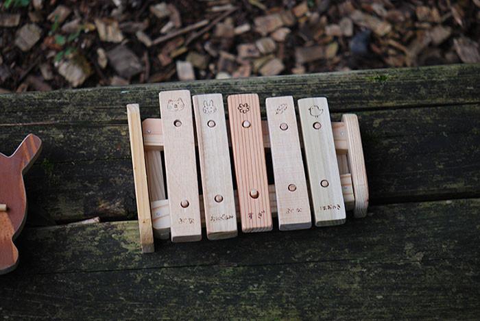 厚い板で作った木琴