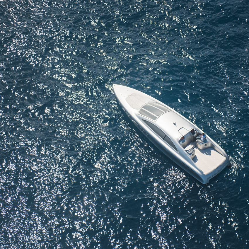 mercedes-benz-arrow460-powerboat-yacht-11