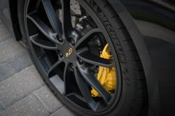 Porsche Cayman GT4 breaks