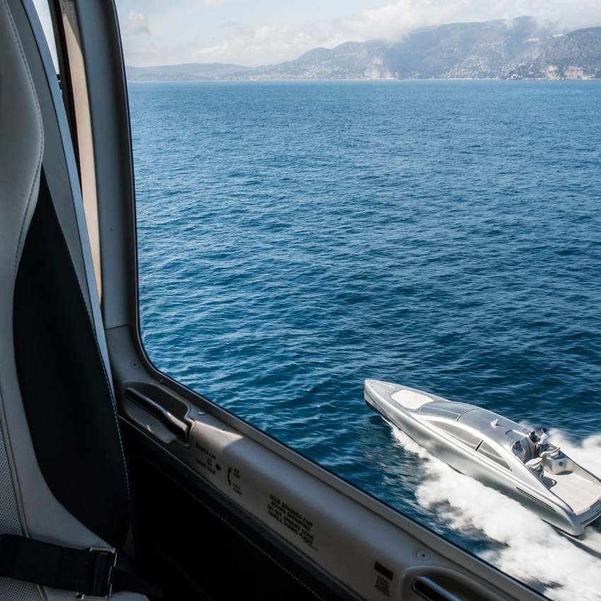 mercedes-benz-arrow460-powerboat-yacht-2