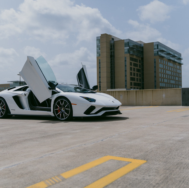 Lamborghini Aventador S Doors Up