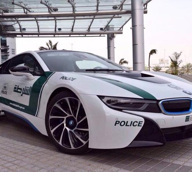 Dubai-Police-car-BMW-i8