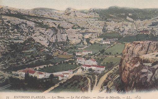 Val E les Baux.jpg
