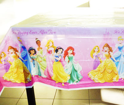 Sparkle Princess Table Cover