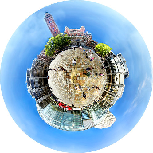 Westminster Cathedral Piazza, London - down