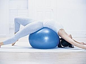 Pilates avec ballon