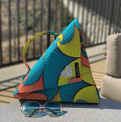 """Shayla"" triangle handbag"