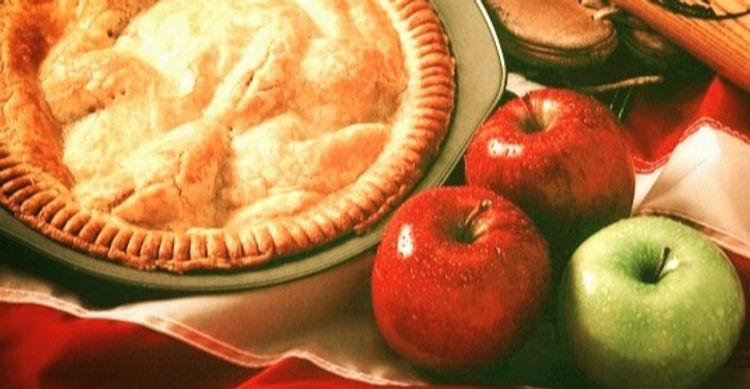 apple-pie-520646_640 (1)_edited_edited_edited.jpg