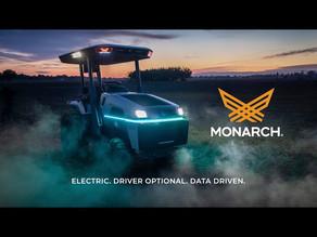 世界初の自動運転付き完全電動トラクター Monarch Tractor