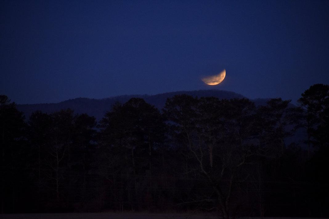 G3107 Lunar Eclipse 106 LC1.JPG