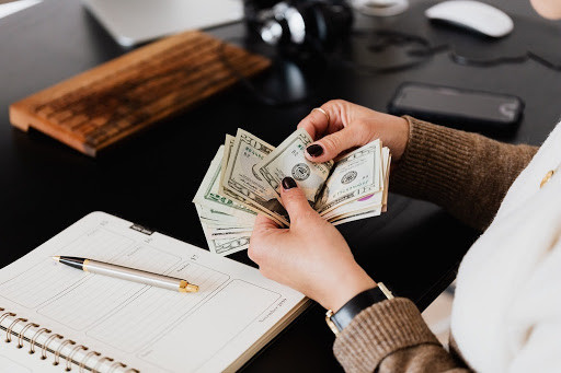 3 Tips for managing your money better