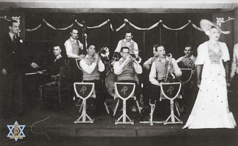 הצגה במחנה שבויים