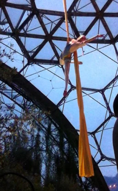 Eden Project circus performer Wizard of Oz