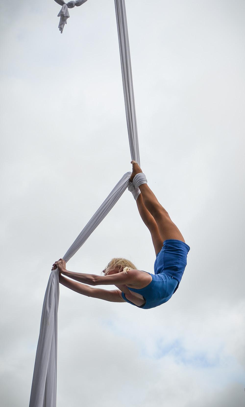 Katie Hardwick silks performer flexible bendy back bend