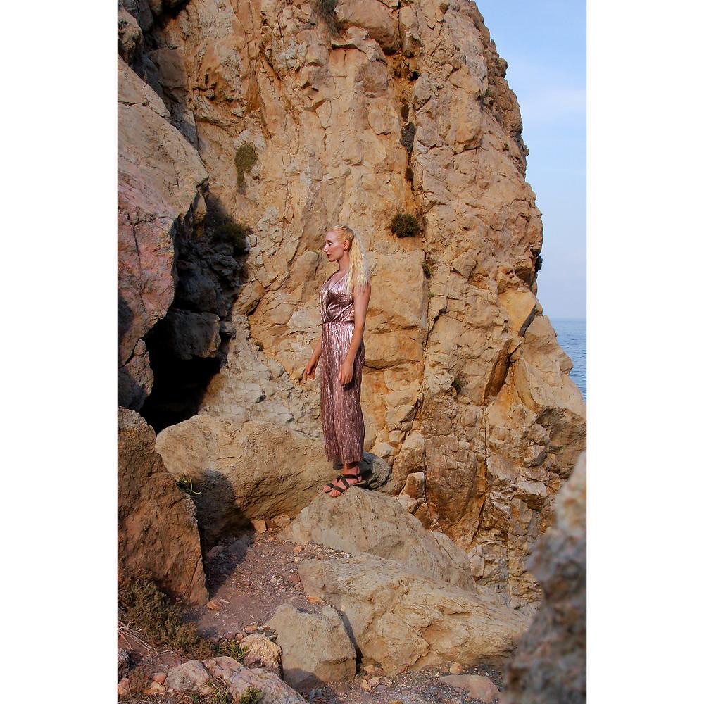 On the Rocks photographer Rosie Hardwick model Katie Hardwick