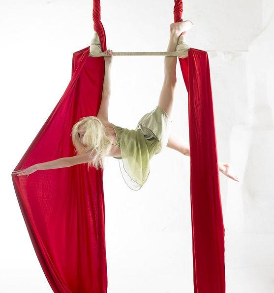 Katie Hardwick Static Trapeze
