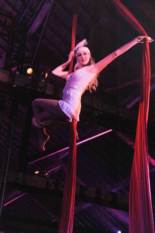 Flapper Performer on Silks