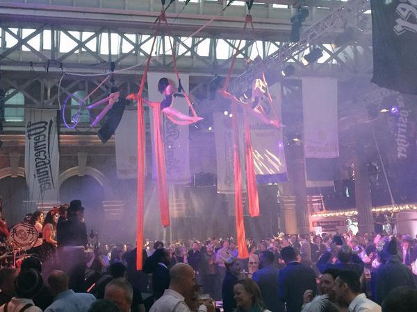 Synchronised Silks Circus Suburbia London Bierfest 2015