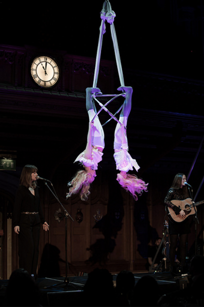 Starfiz Aerial Duo with The Staves in the London Guildhall for Save the Children Charity Gala