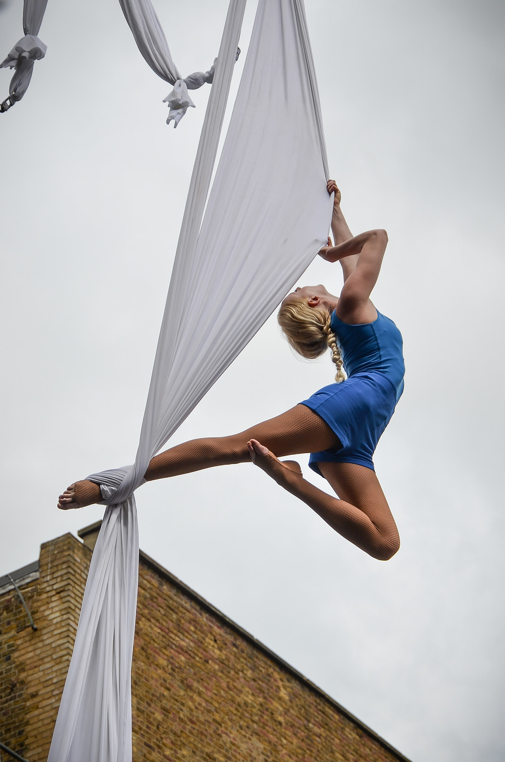 Katie Hardwick silks performer London 2015
